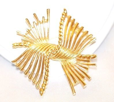 Signed Boucher Brooch Modernist Look Open Work Wings