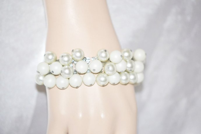 Bracelet Imitation Pearl Cha Cha on Silver Tone Book Chain