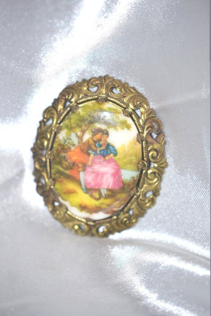 Western Germany Fragonard Brooch Courting Couple Decaled