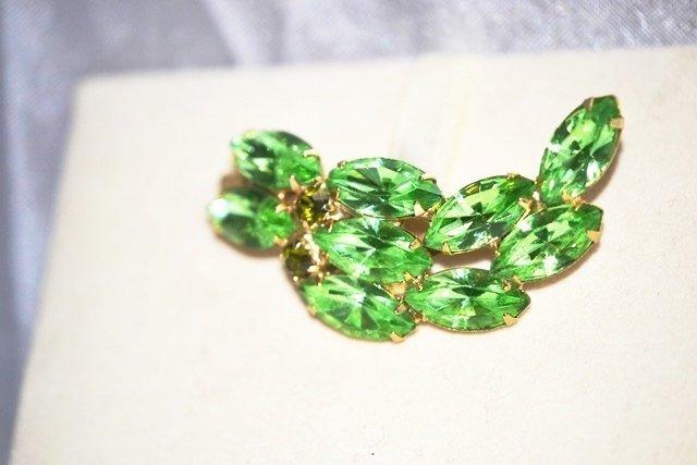 Brooch with Bright Green Rhinestones Leaf in Gold Tone Setting