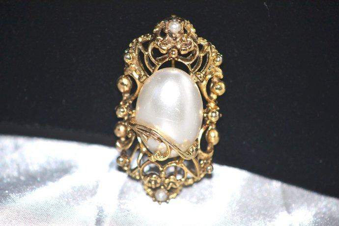 Single Large Faux Pearl In Fancy Gold Tone Frame Brooch