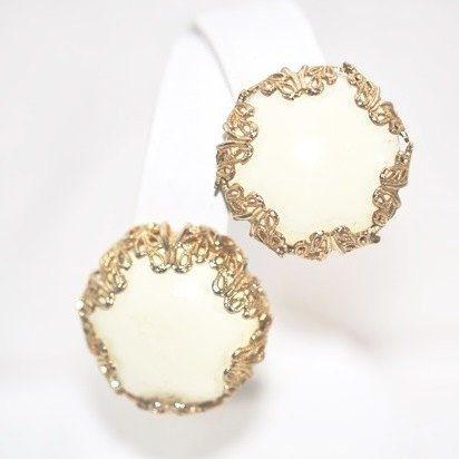 Vintage Gold Tone Filigree Wrapped Cream Button Clip Earrings