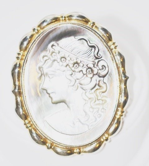 Convertible Carved Shell Cameo Pendant/Brooch