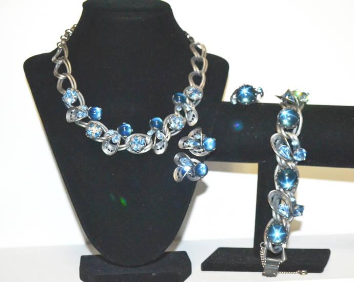 Vintage Blue Star Sapphire Rhinestone in Antiqued Silver Tone Parure
