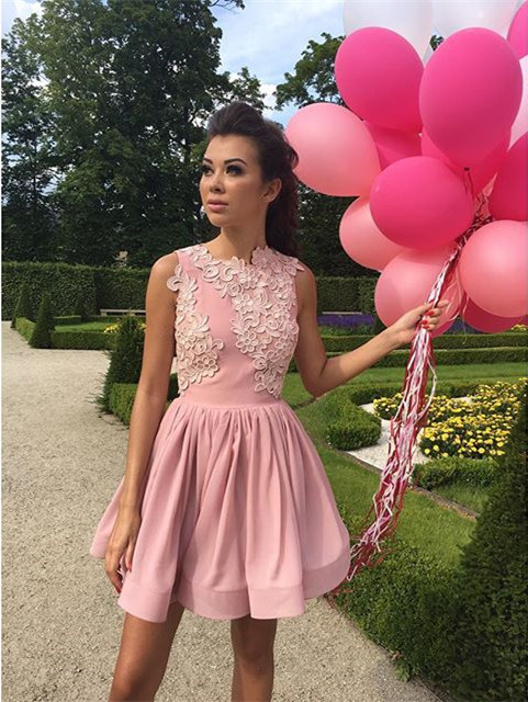 Pink Homecoming Dresses.Short Ruffle Prom Gowns,Satin Dress,Lace Appliques