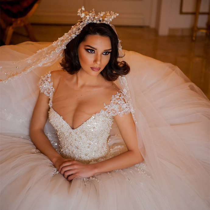 Vintage Lace V Neck organza ball gowns wedding dress 2019 with pearl beaded