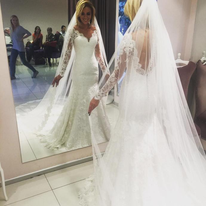 Lace long sleeves v neck mermaid wedding dresses 2019 vintage wedding gowns