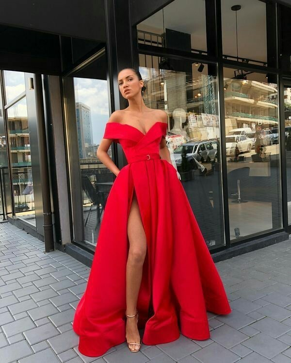 Sexy V-Neck Red Prom Dresses A-Line Floor-Length Satin Evening Dress Slit Party