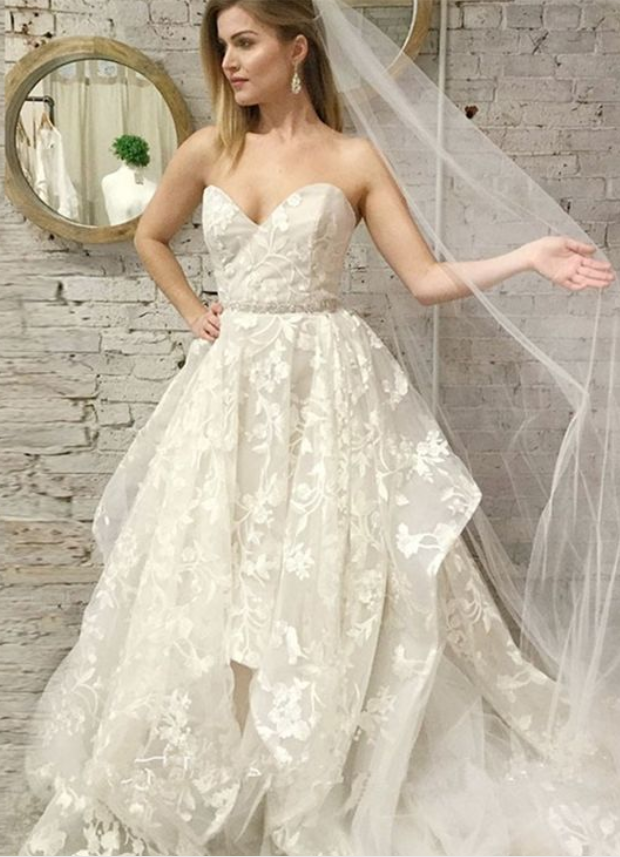 Sexy Sweetheart Neck Long Wedding Dresses with Appliques