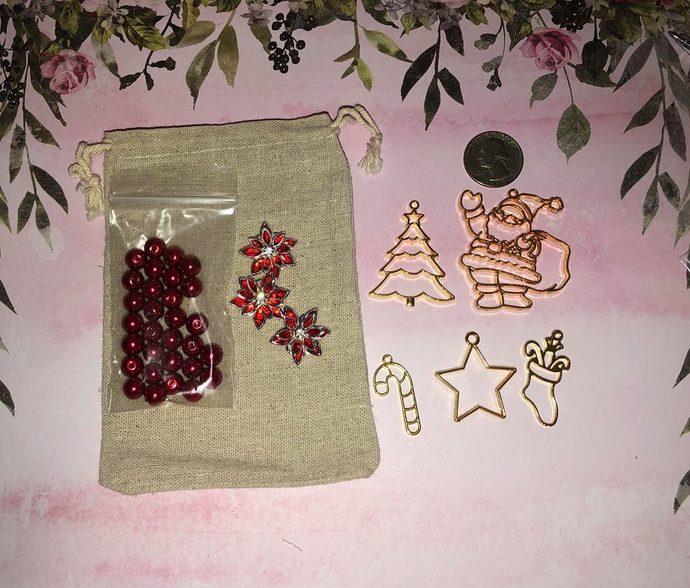 2018 Christmas Charm & Bead Kit ~ 38 pc Kit