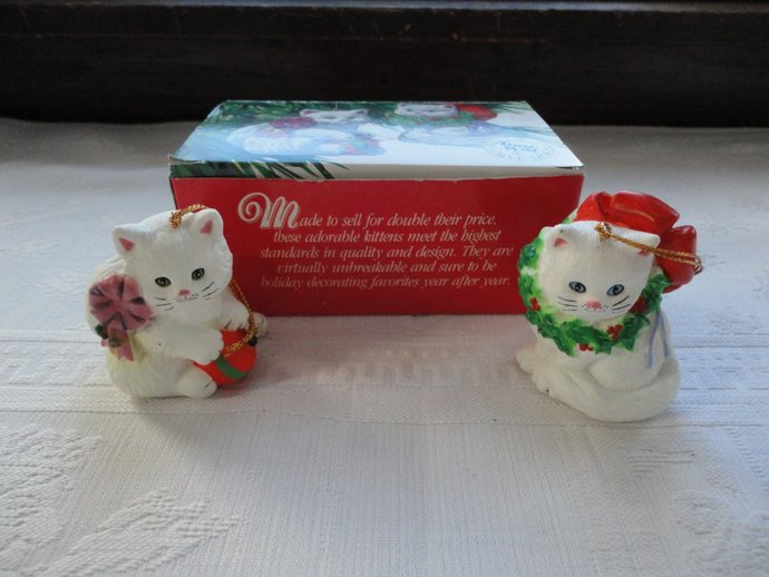 Christmas Kittens  Hanging Tree Ornaments A Tom Wat Exclusive Design Vintage