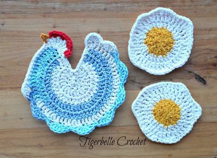 Chicken potholder and scrubby set