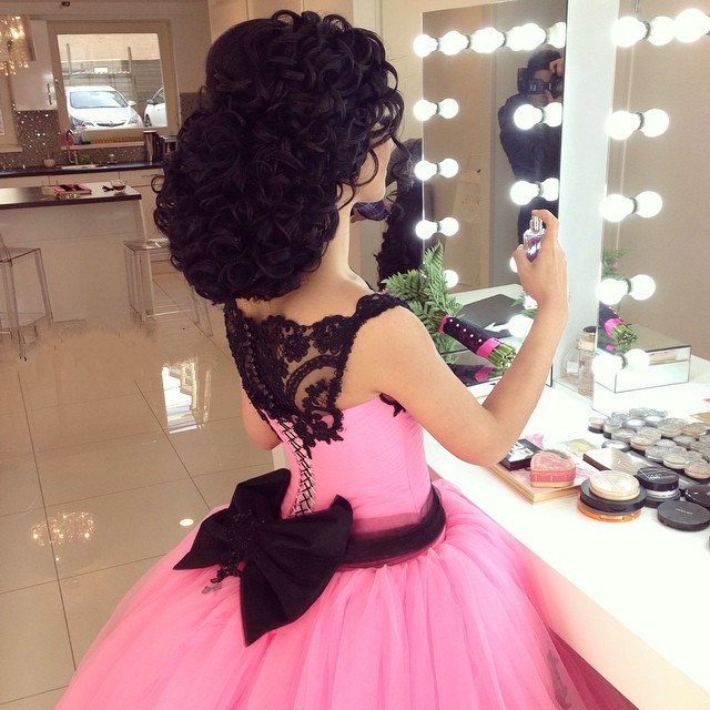 Gothic Black Lace Appliques Pink Ball Gowns Wedding Dress