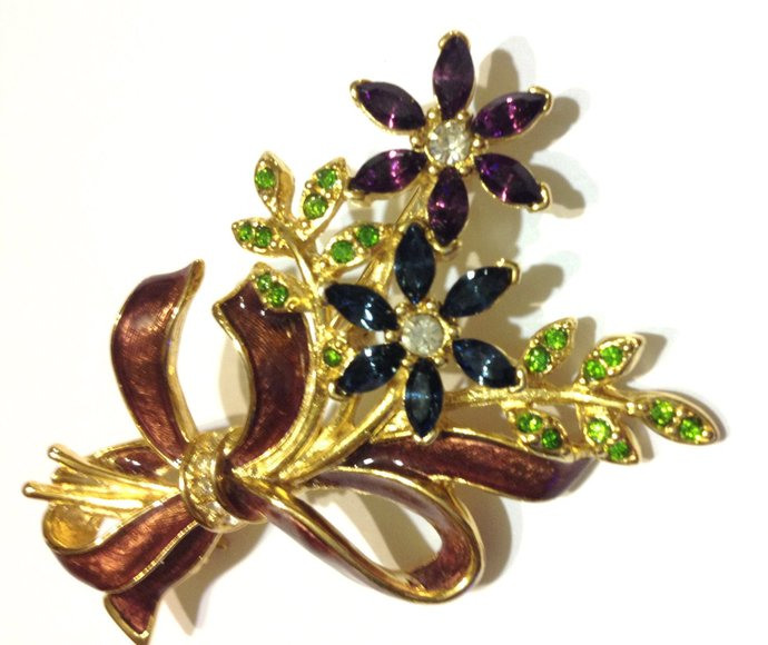 Lovely Vintage Monet  Blue And Purple Floral Rhinestone, and Enamel Brooch