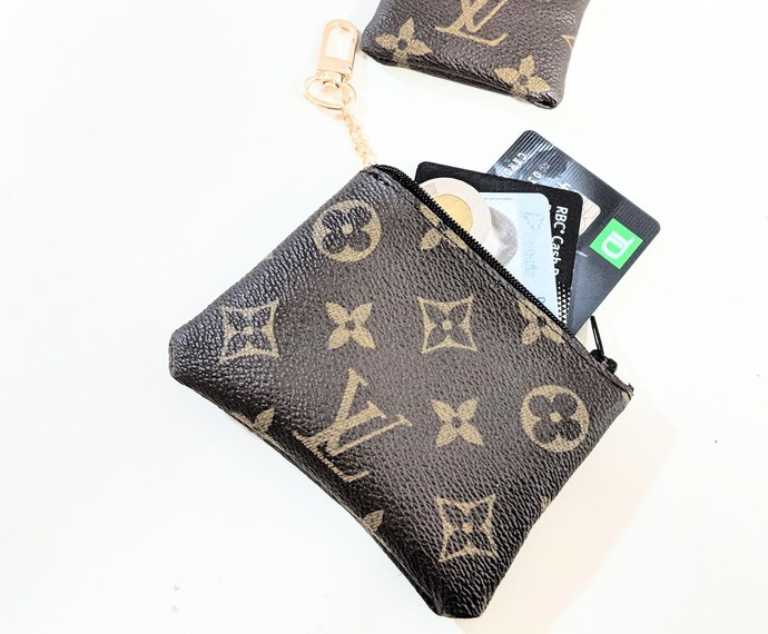 13a8a8760e431 Repurposed Louis Vuitton - LV cards holder - Upcycled LV coin purse - Louis