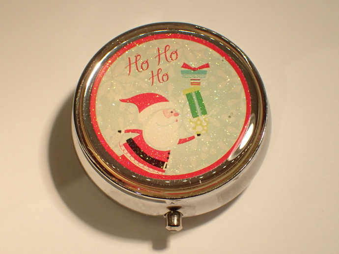 Pill box - Round - Christmas - Santa with gifts