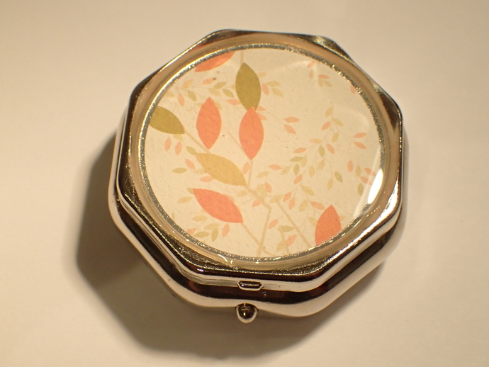 Pill box - 6-sided - Autumn leaves