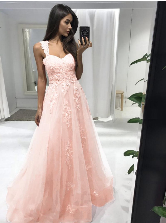 Eye-catching Tulle Sweetheart Neckline Floor-length A-line Prom Dress With Lace