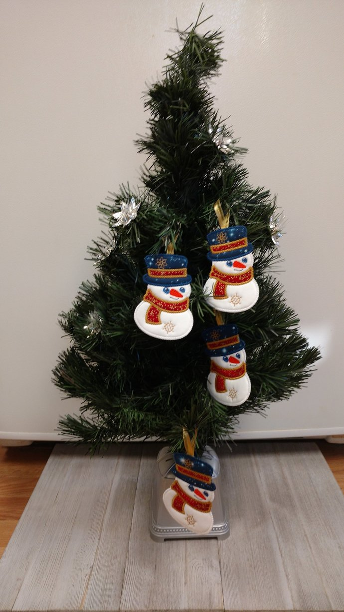 Snowmen Christmas Tree Hanging by Sew Fancy by Julie on Zibbet