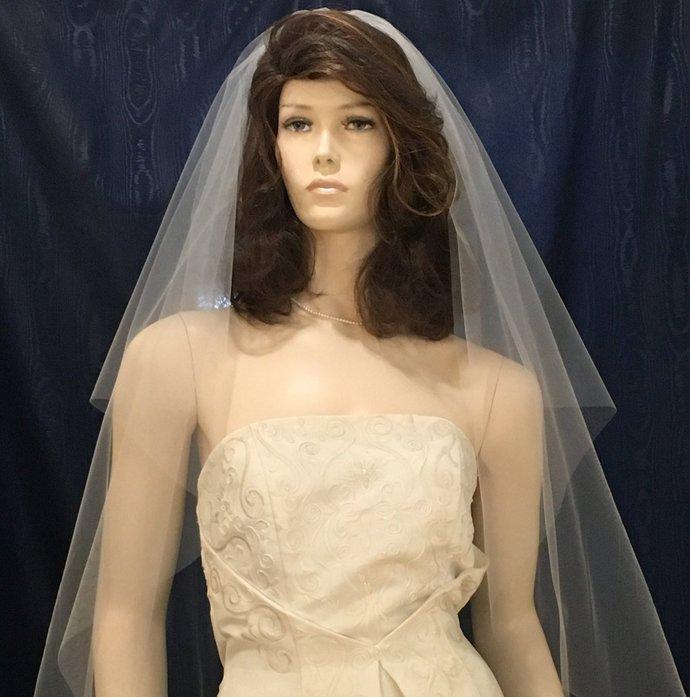 Wedding Veil, One Tier circle cut  Bridal veil  fingertip length with plain cut