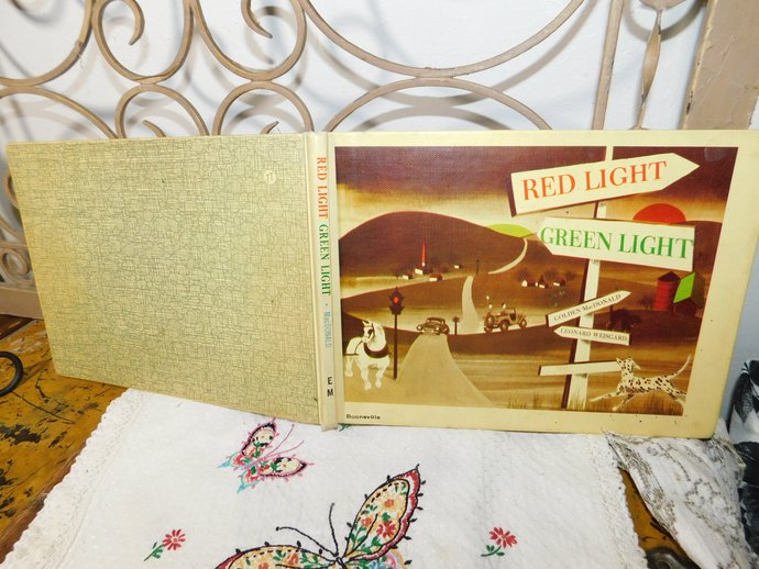 Red Light Green Light (Hardcover) By Golden MacDonald, Vintage Child's Book, X