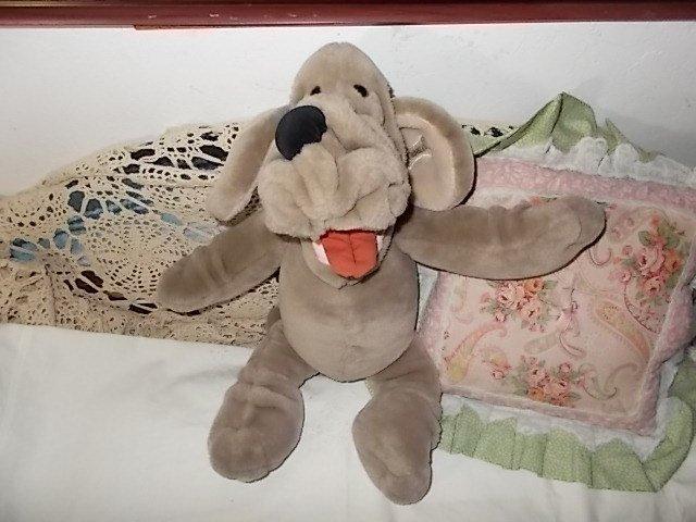 Wrinkles Puppet Dog, Vintage Wrinkles Puppet Dog 1981, Vintage Stuffed Dog,