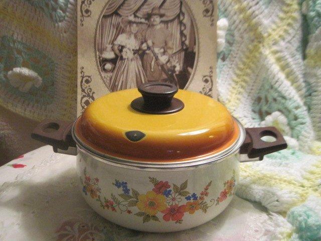 Vintage Pot and Pan Set, JMP, Sweet Flowers Enamel,Vintage Enamel,Vintage
