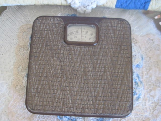 Weight Scale, Brown Weaved Scale, Scale, Bathroom Scale, Bathroom Decor, Country