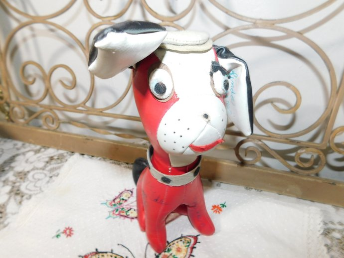 Vinyl Signature Red and White Dog, Vintage Toys, Vintage Toy Dog, Signiture Toy,