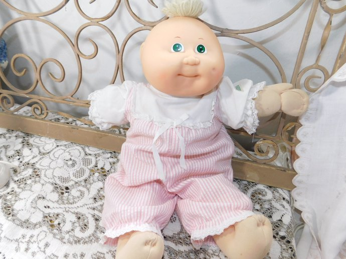 Sweet Baby Cabbage Patch Doll 1982, Cabbage Patch Dolls, Dolls, Vintage Dolls,
