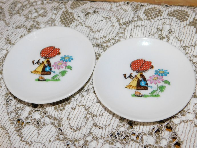 Bonnet Girl Miniature Plates, Vintage Small Doll Plates, Vintage Child's Dishes,
