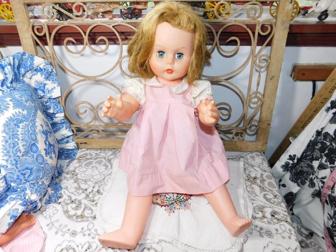 Todder Bigger Doll with Ball Joint Knees, Miss Beauty Parlor Doll ? Ball Jointed