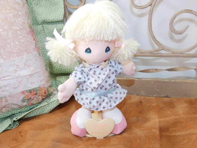Precious Moments Small Doll Applause, Take Time to Smell the Flowers  1989,