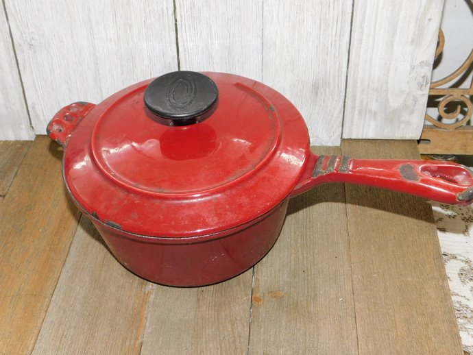 Cast Iorn Pan, Red Vintage Cast Iron Pot, Vintage Sauce Pot, Vintage Dishes,