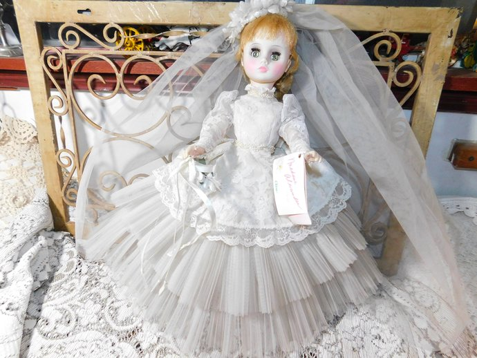 Madame Alexander Doll Elise with Blonde Hair, Vintage Bride Doll, Vintage Doll,