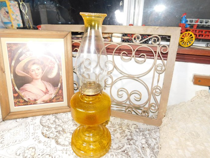 Oil Lamp, Kerosene Lamp, Primitive Oil Lamp, Vintage Pedestal Oil Lamp Eagle