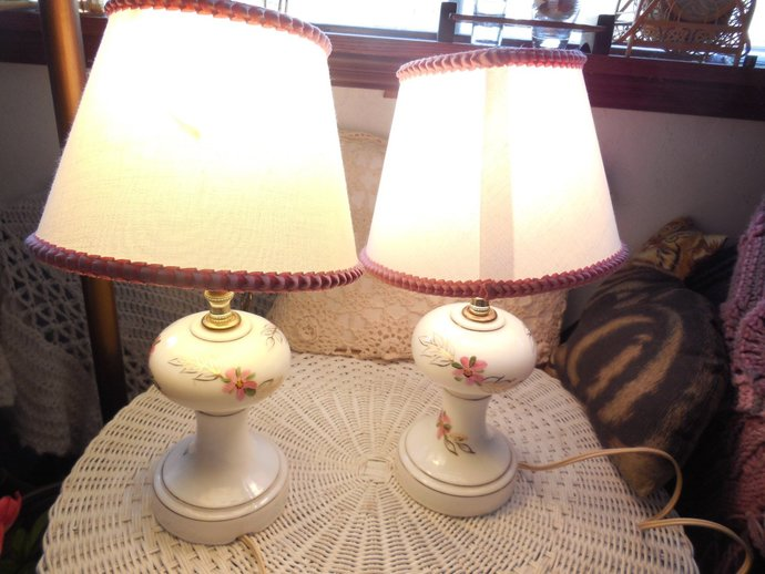 Set of Lamps, Matching Lamp Set, Bed Side Lamp, Vintage Lamp Set, Beautiful Milk