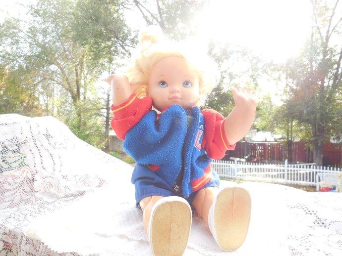 Wanda  Hasbro Walking and Crawling Doll  1991, Vintage Hasbo Doll, Walking Doll,