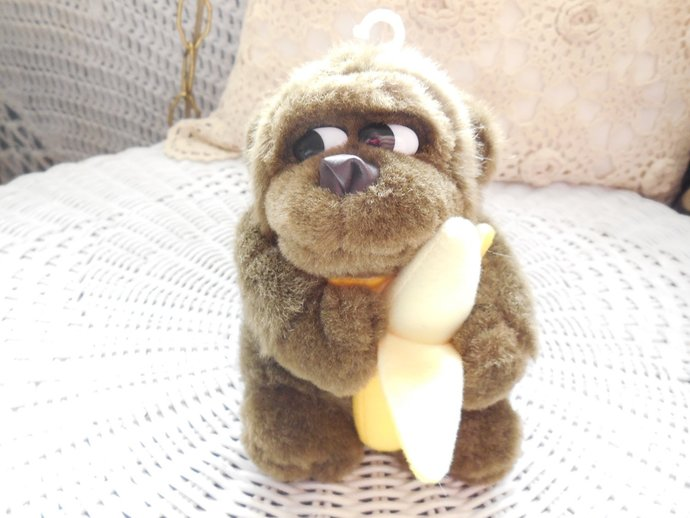 Ape, Gorilla, Monkey Holding his Banana 5 Inches tall, Gorilla, Monkey, Vintage
