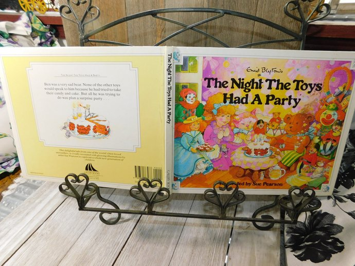 The Night The Toys Had a Party Book 1989, Vintage Childrens Book, Vintage book,