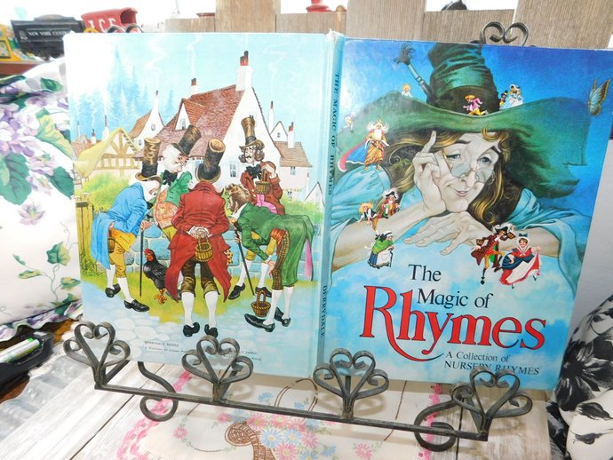 The Magic Of Rhymes A Collection Of Nursery Rhymes, Derrydale Books, Crown