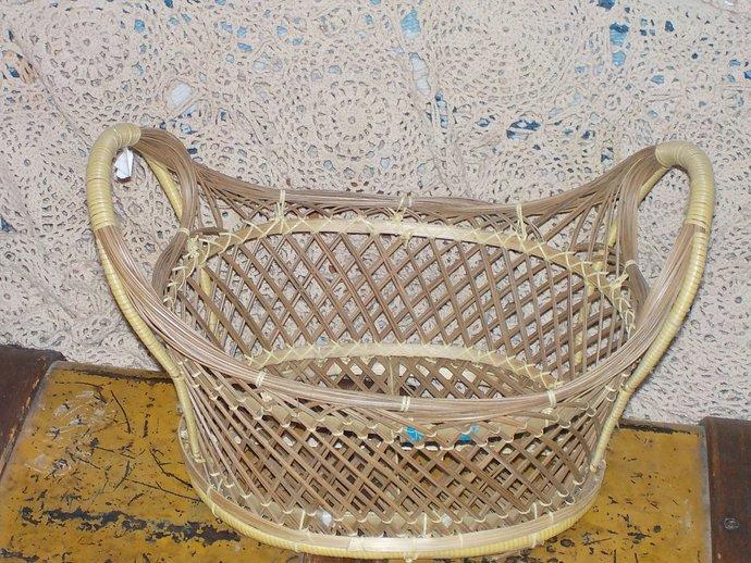 Oval Wicker Basket Very Pretty, Vintage Basket, Basket, Bread Basket, Fruit,