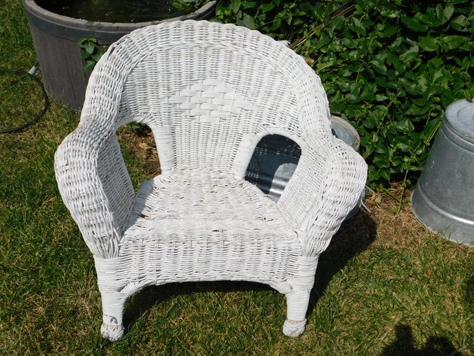 Child's Toddler White Wicker Chair, Small Wicker Chair, Doll Wicker Chair :)s*