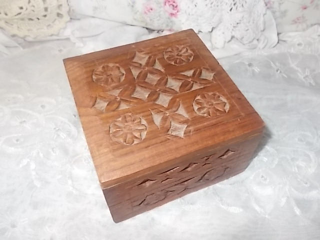 Wood Hand Carved Box from India, Vintage hand carved box, Craved Trinket Box,