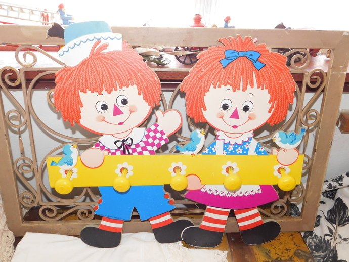 Raggedy Ann and Andy Vintage Coat Hanger 1972, bobbs merrill co, Raggedy