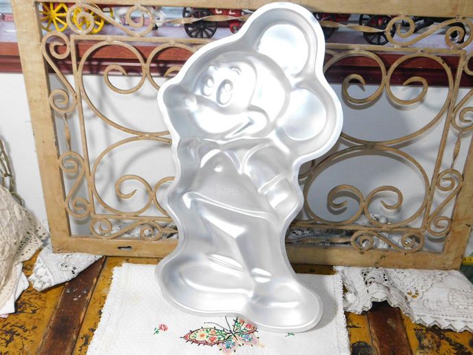 Cake Pan, Vintage Mickey Mouse Cake Pan Wilton Pan 1978, Mickey Mouse, Vintage