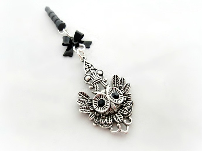 Gothic owl phone plug charm, iPhone smartphone gothic accessory, planner charm,