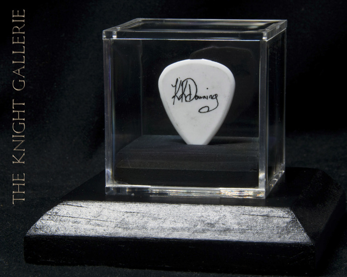 AUTHENTIC guitar pick and display case: K.K. Downing