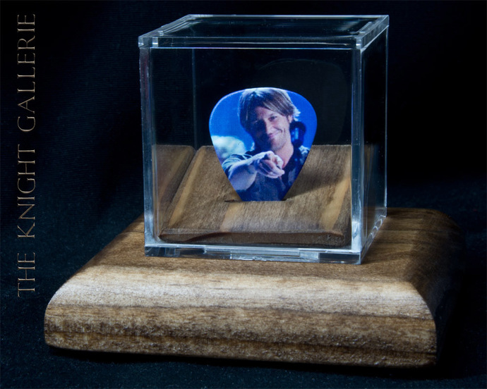 Commemorative guitar pick and display case: Keith Urban
