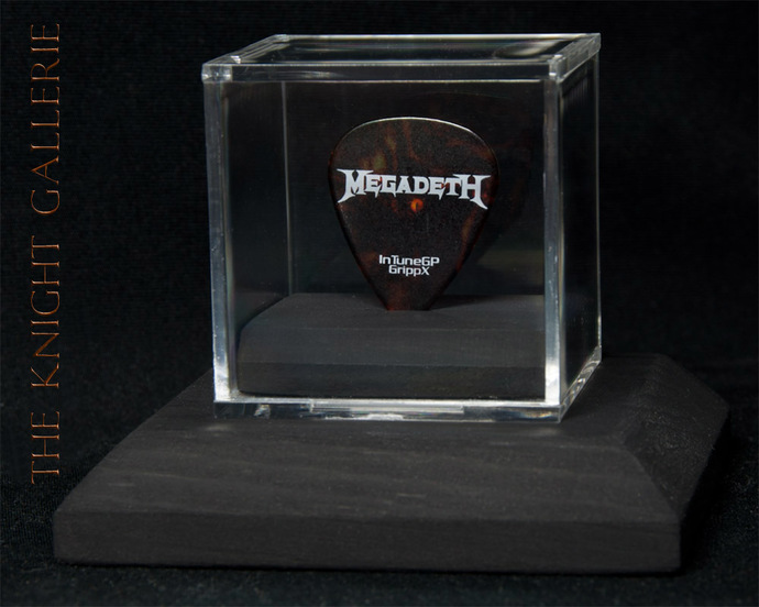 Authentic guitar pick and display case: Megadeth